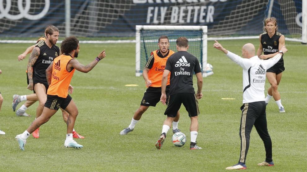 Resultado de imagen de entrenamiento real madrid zidane