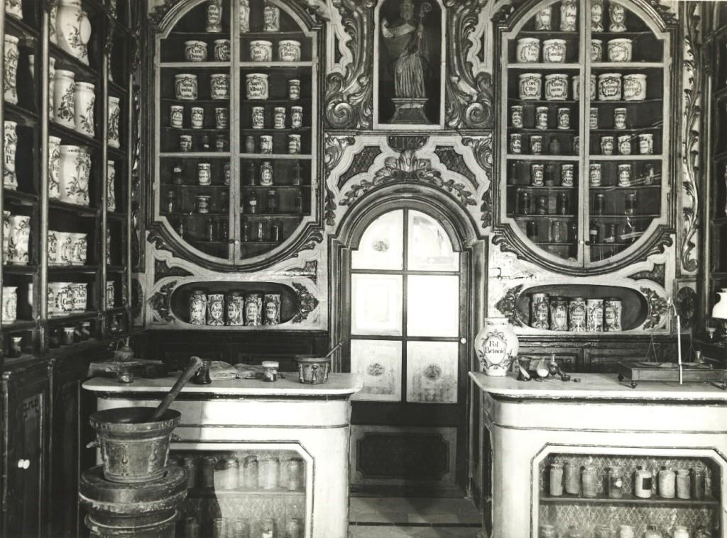 """Resultado de imagen para museo farmacia ucm"""""""